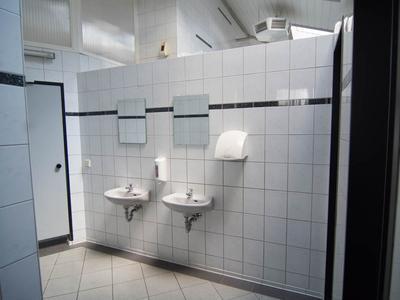 Sanitärhaus III-8