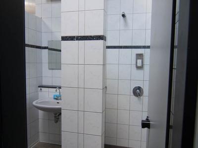 Sanitärhaus III-6